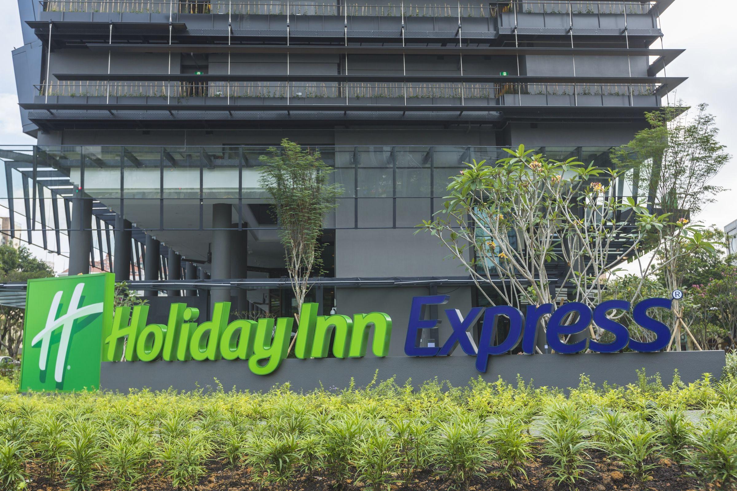 Holiday Inn Express Singapore Clarke Quay Exterior and ...
