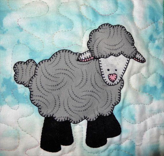 47a41db9d5e400 Lamb or sheep PDF applique pattern  farm animal applique quilt block   Easter or spring quilt pattern  baby or child s crib quilt pattern