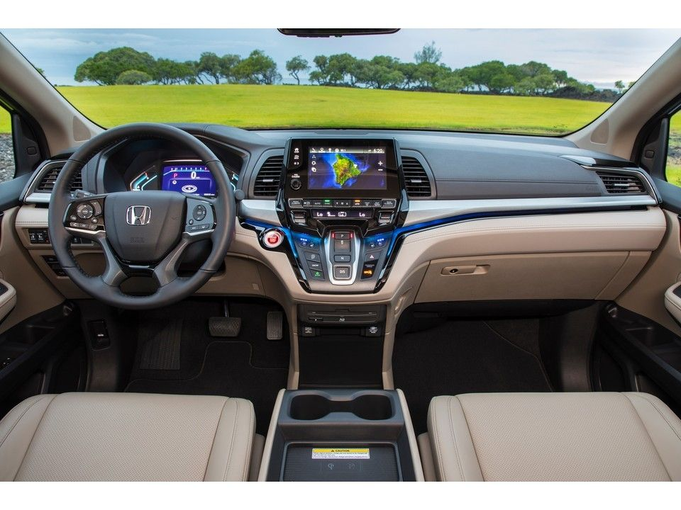 Honda Odyssey Interior In 2020 Honda Odyssey Honda Crosstour Mini Van