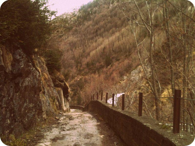 Camino de la presa, Valle de Estós.