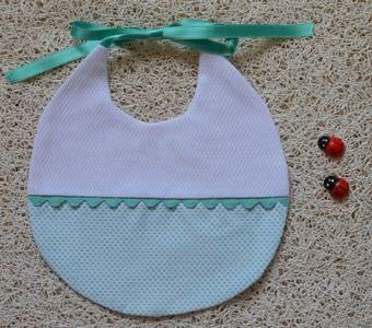 Babero De Piqué Topos 4 Colores Mod 8 Canastillas De Bebe Baberos Bordado De Bebé