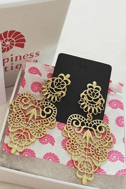Lacy Gold Toned Statement Earrings 12,90 € #happinessbtq