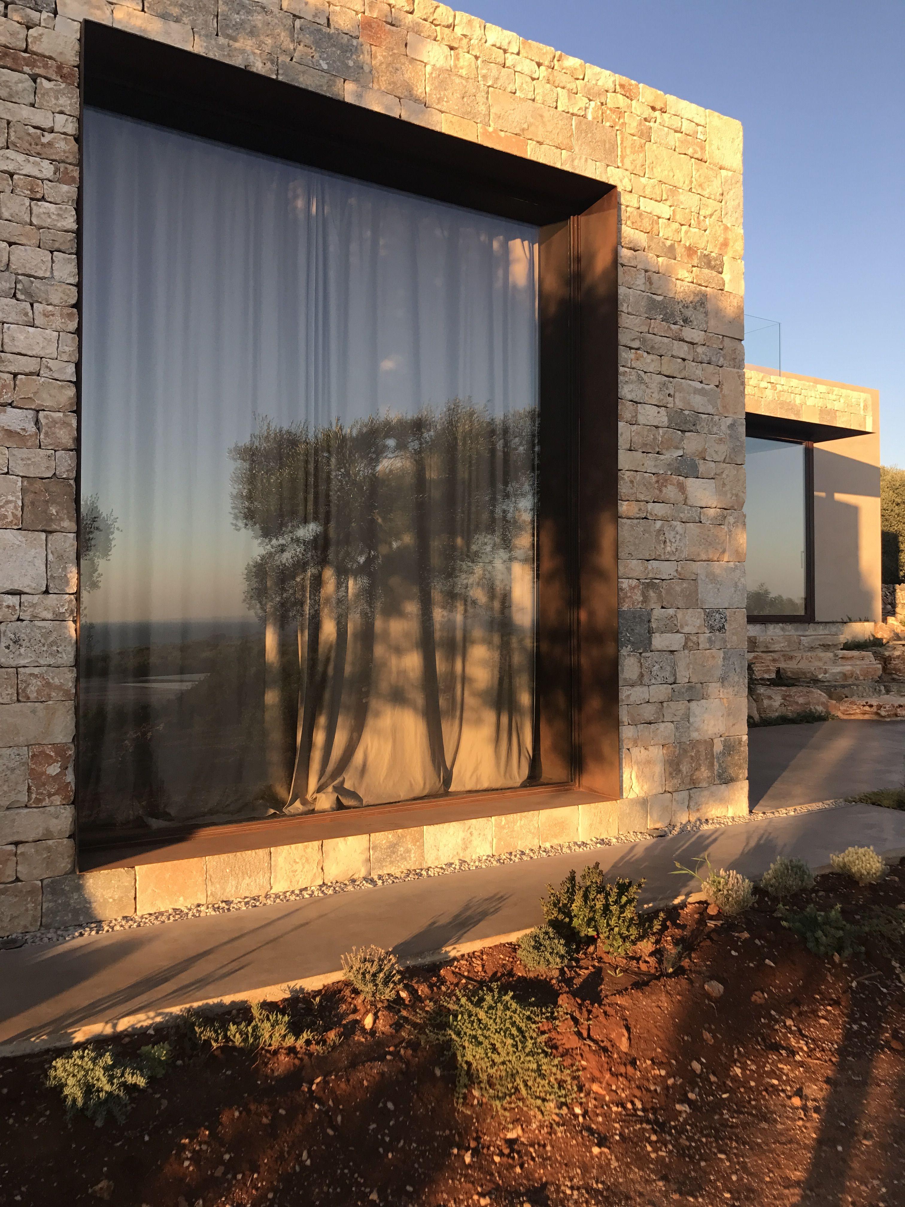 Architettura moderna fortemente radicata con il paesaggio circostante E l ultimo pro to del gruppo Villa Camilla Collection in Puglia Apulia a…