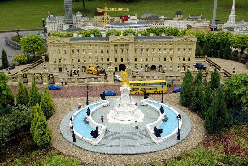 Cultural Icons Created In Lego Lego Architecture Lego Legoland Windsor