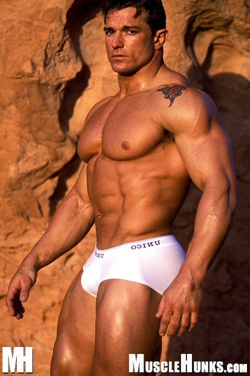 Bodybuilders men naked photos