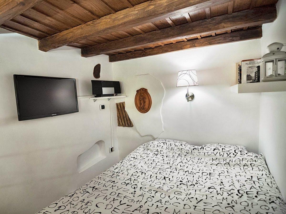 6 7 square meter apartment in rome