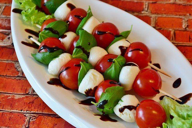 Tomaten Mozzarella Spiesse Rezept Tomate Mozzarella Tomate Mozzarella Spiesse Veganer Mozzarella