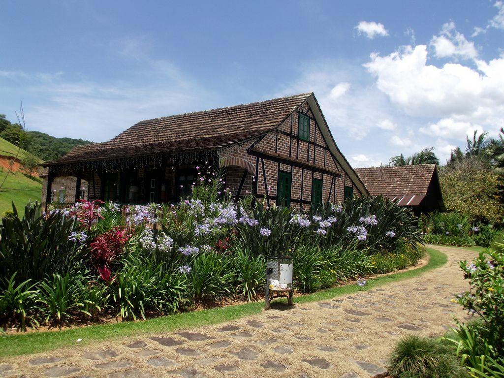 Pesquisa Google - Casa Enxaimel. Pomerode - SC - Brasil   by Marinelson Almeida Silva