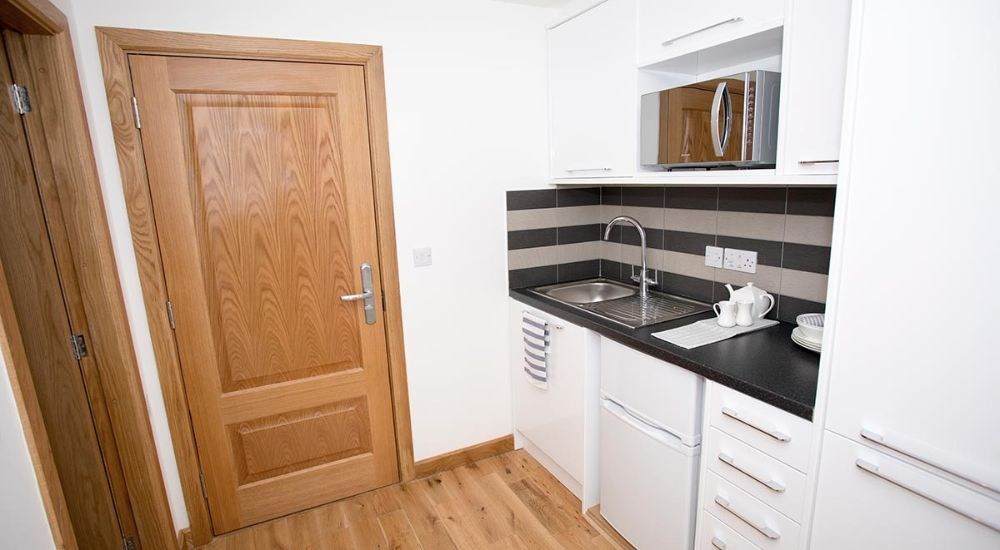 Maksons House Offers Well Furnished Accommodation For University Students In London Discover Compar Student Accommodation Student Home London Accommodation