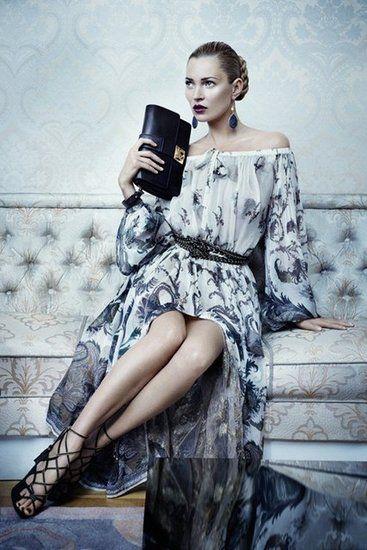 Lindo este vestido do Salvatore Ferragamo.  Nem dei conta que era a Kate Moss a modelo...não consigo tirar os olhos do vestido