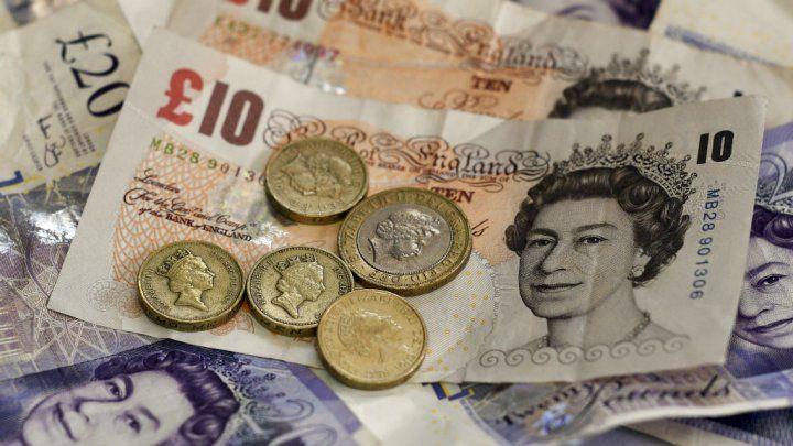Brexit La Livre Sterling Tombe A Son Niveau Le Plus Bas