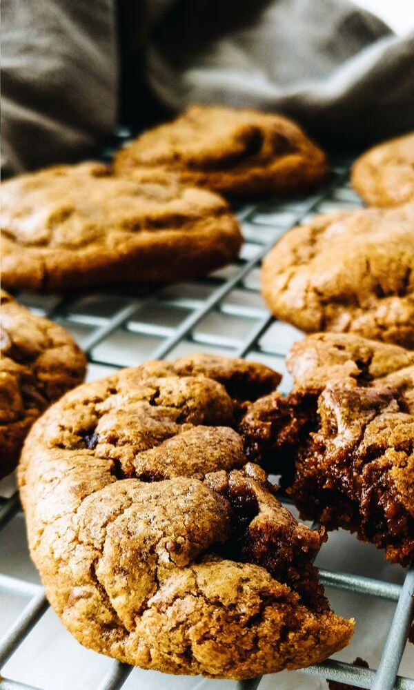 Decadent Fudge Hazelnut Espresso Cookies These espresso fudge cookies are so so yummy! Soft and like a brownie with chocolate chips and instant coffee in them!