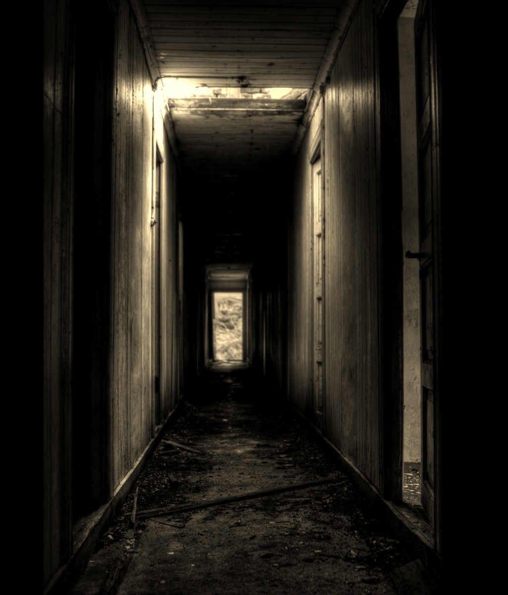 Creepy hallways narrative dreams pinterest - Wallpaper corridor ...