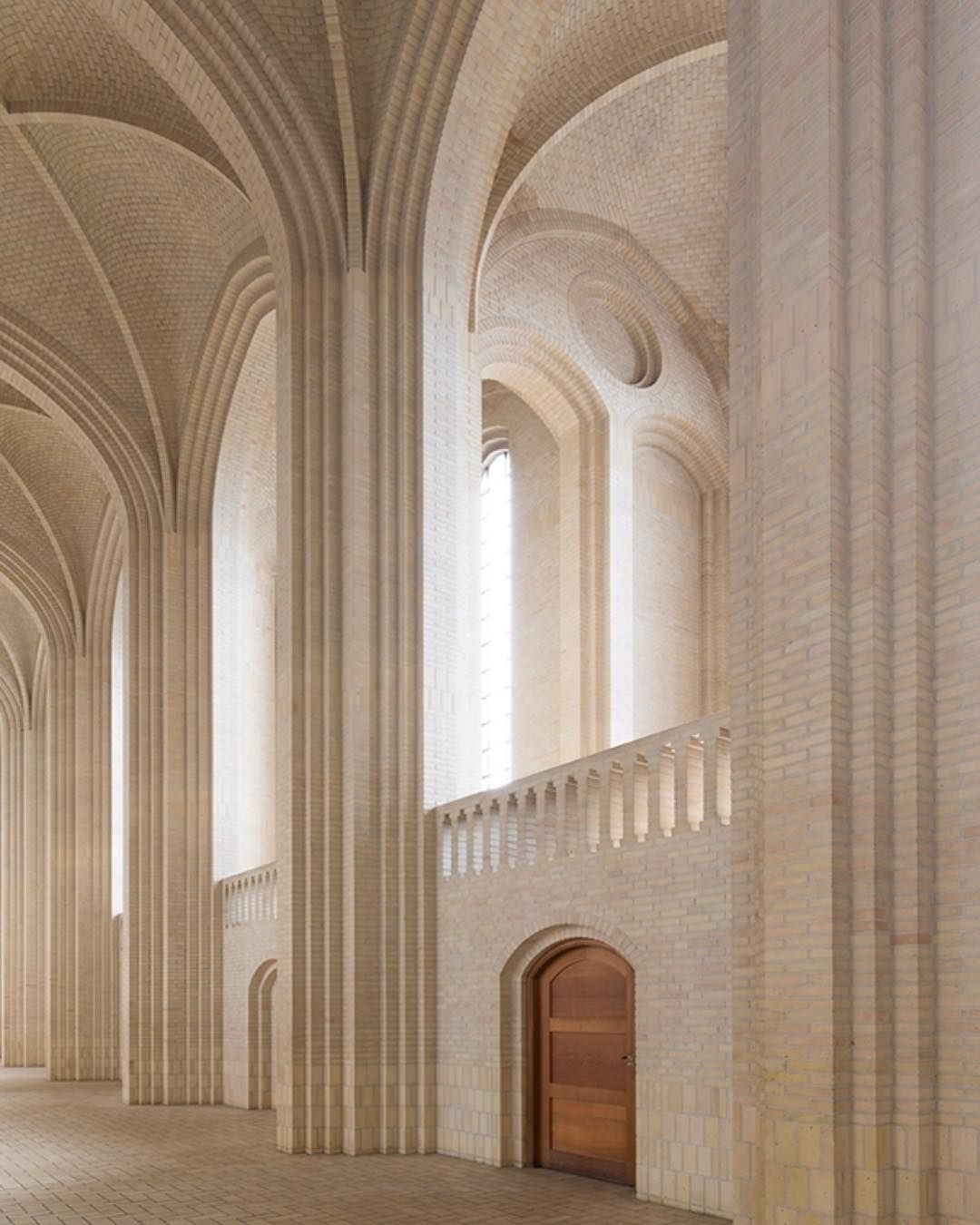 World Of Architecture 16 Simple Elegant And Affordable: A Beautiful, Cathedral Inspired Space!