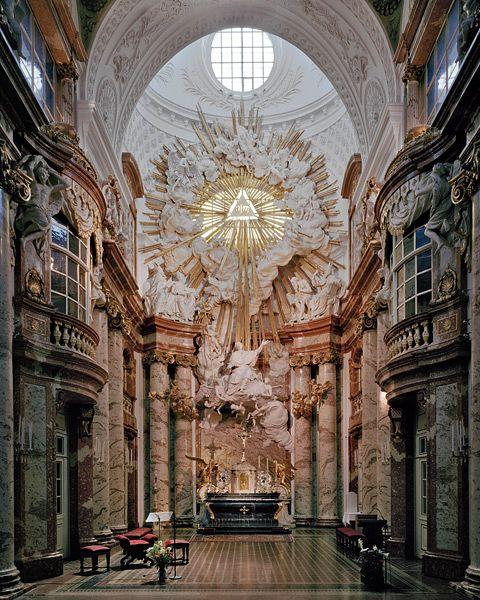 Johann Bernhard Fischer von Erlach, Karlskirche, Vienna, 1716-25  Baroque