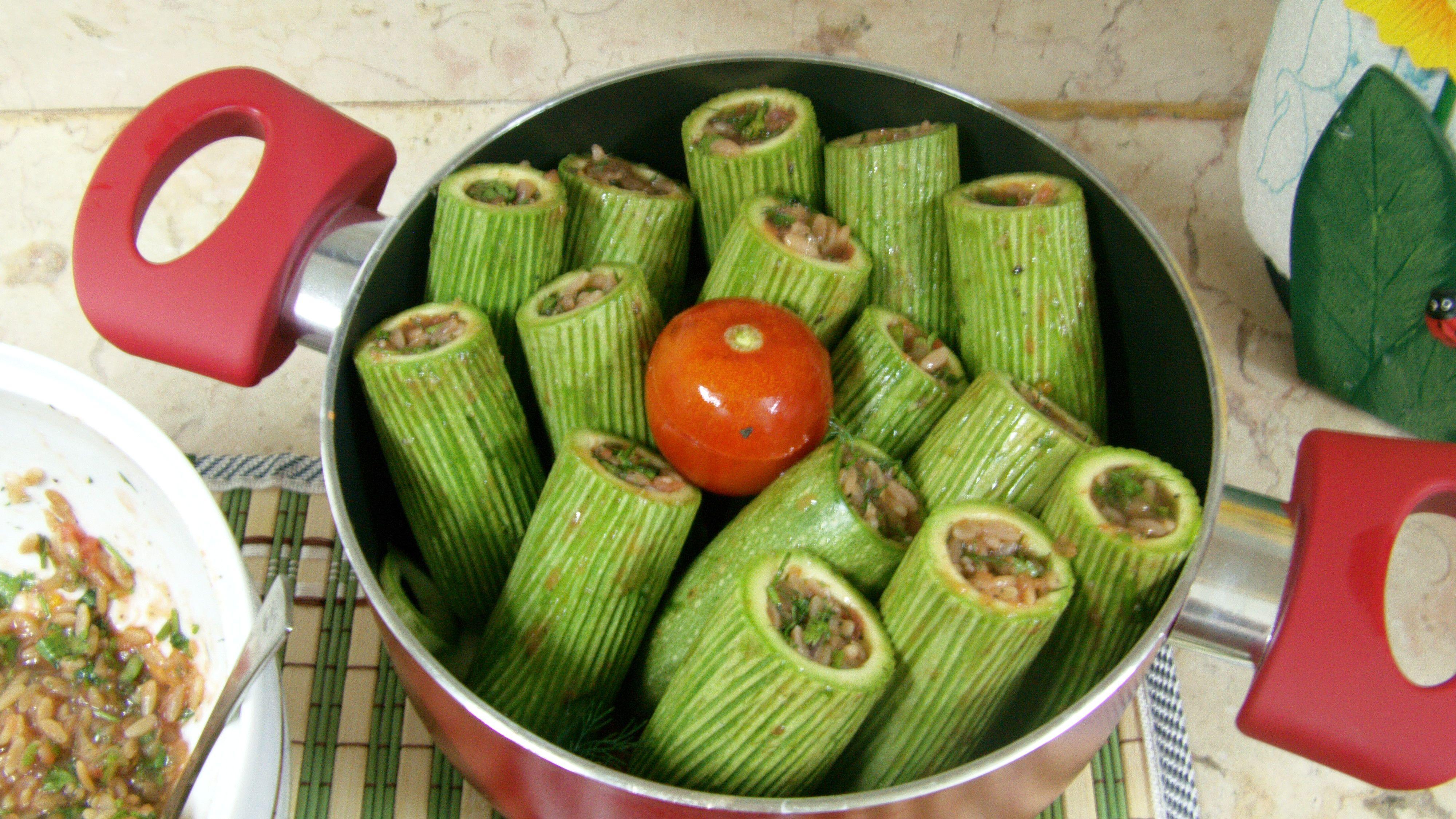 محشي كوسة بلسان العصفور Vegetables Food Celery