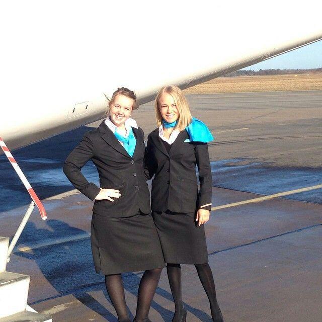 Jettime stewardess crewfie operating an SAS flight @jennavinulvv