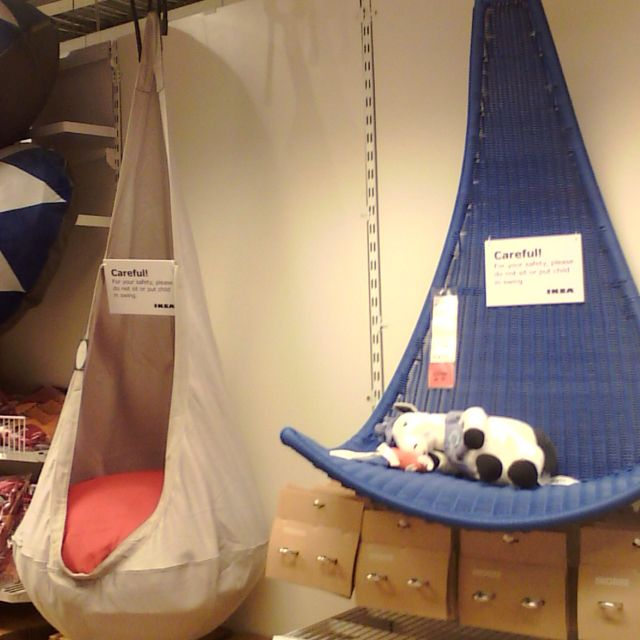 Super cute hanging chairs for kids ikea about 69 blue for Hanging chair for kids room