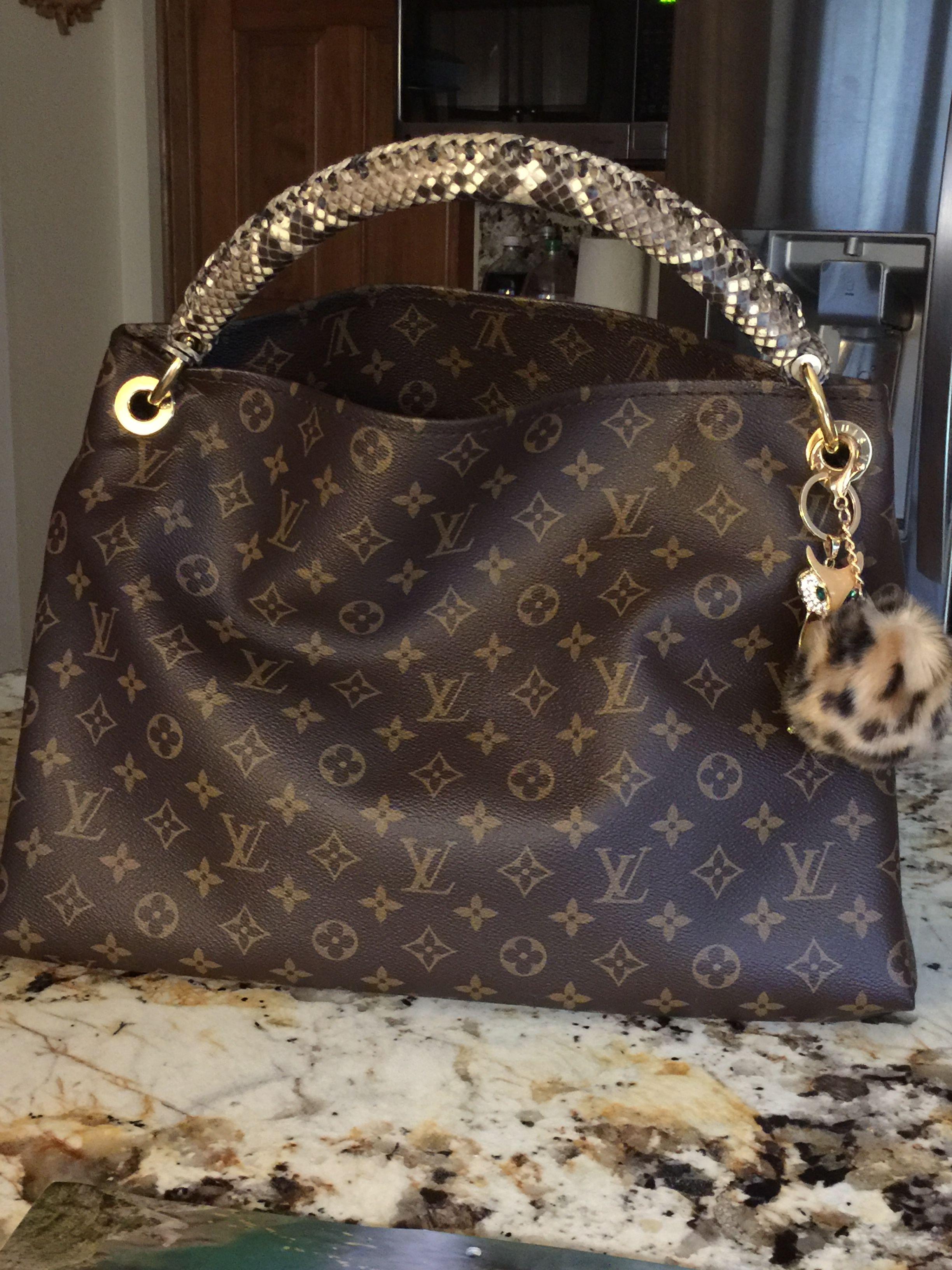 59f29066e5bd LV Artsy Monogram with python handle Louis Vuitton Artsy, Louis Vuitton  Handbags, Louis Vuitton
