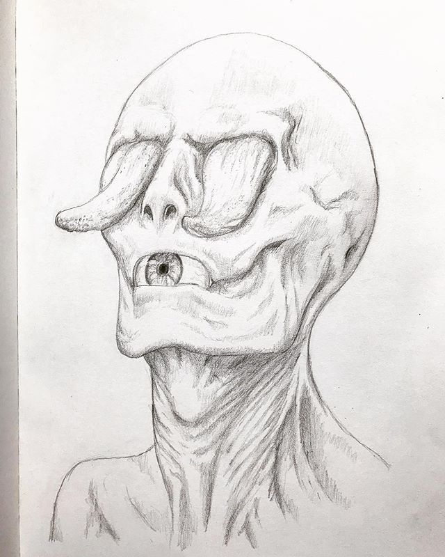 Creepy concept from yesterdays video process in full view  . . .  #art#artist#artistsoninstagram#instaart#instadraw#artwork#draw#drawing#illustration#artoftheday #creepy #disturbing #wierd #conceptart #pencil #pencildrawing #pencilart #sketch #sketchbook #abstractart #monster #creature #traditionalart #realisticeye