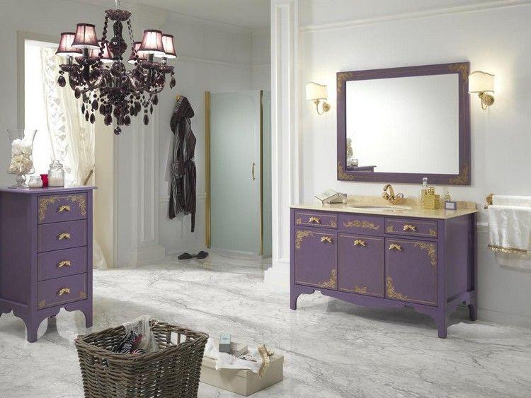 salle de bain baroque, mobilier laqué vioet et plan marbré déco