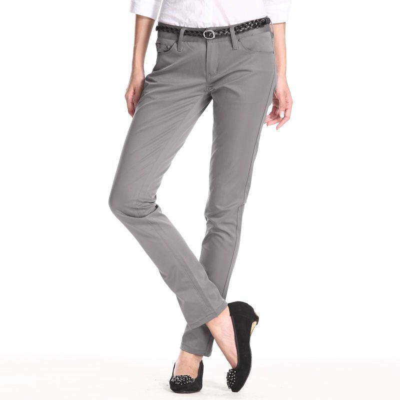 grey pant with black low heel | Work Wear | Business ...