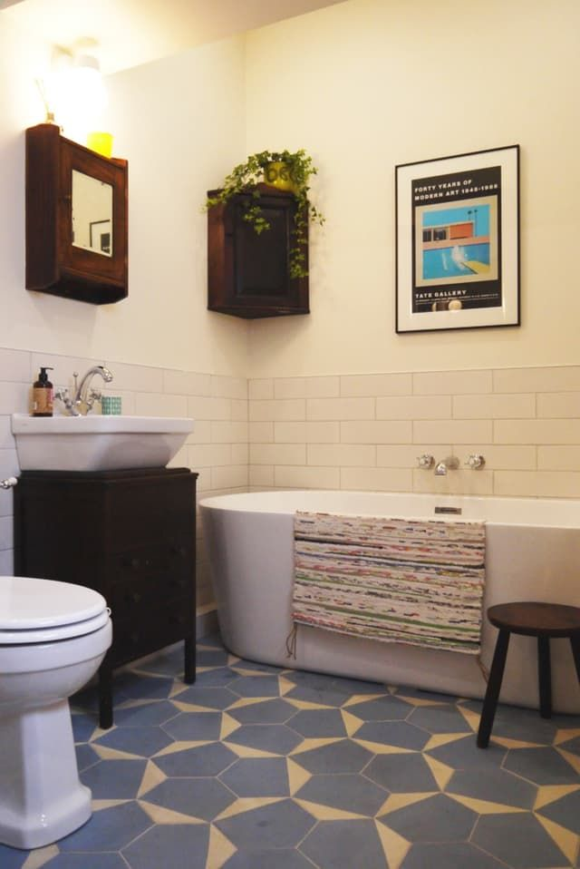 Before & After: A Big Change for a Little Bathroom ...