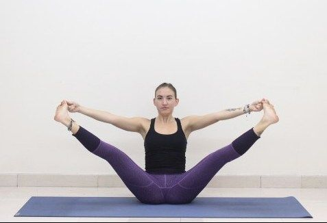 yoga flow for a powerful core  yoga flow easy yoga