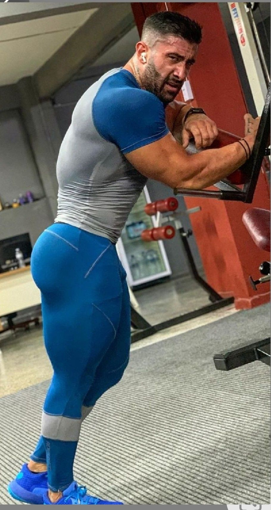 Pin By Xander Troy On Muscle Men Lycra Men Mens Compression Pants Mens Tights