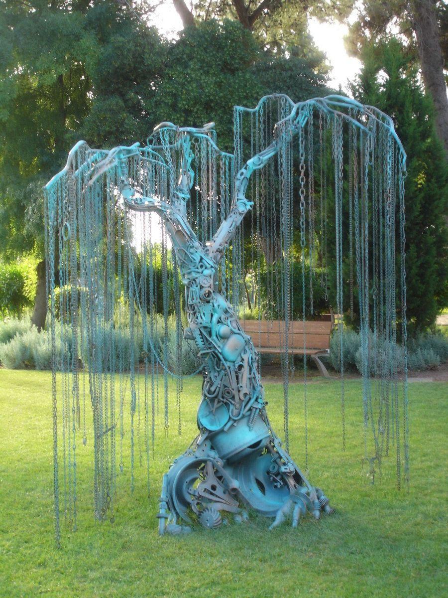 Metal tree on pinterest for Welded garden art designs