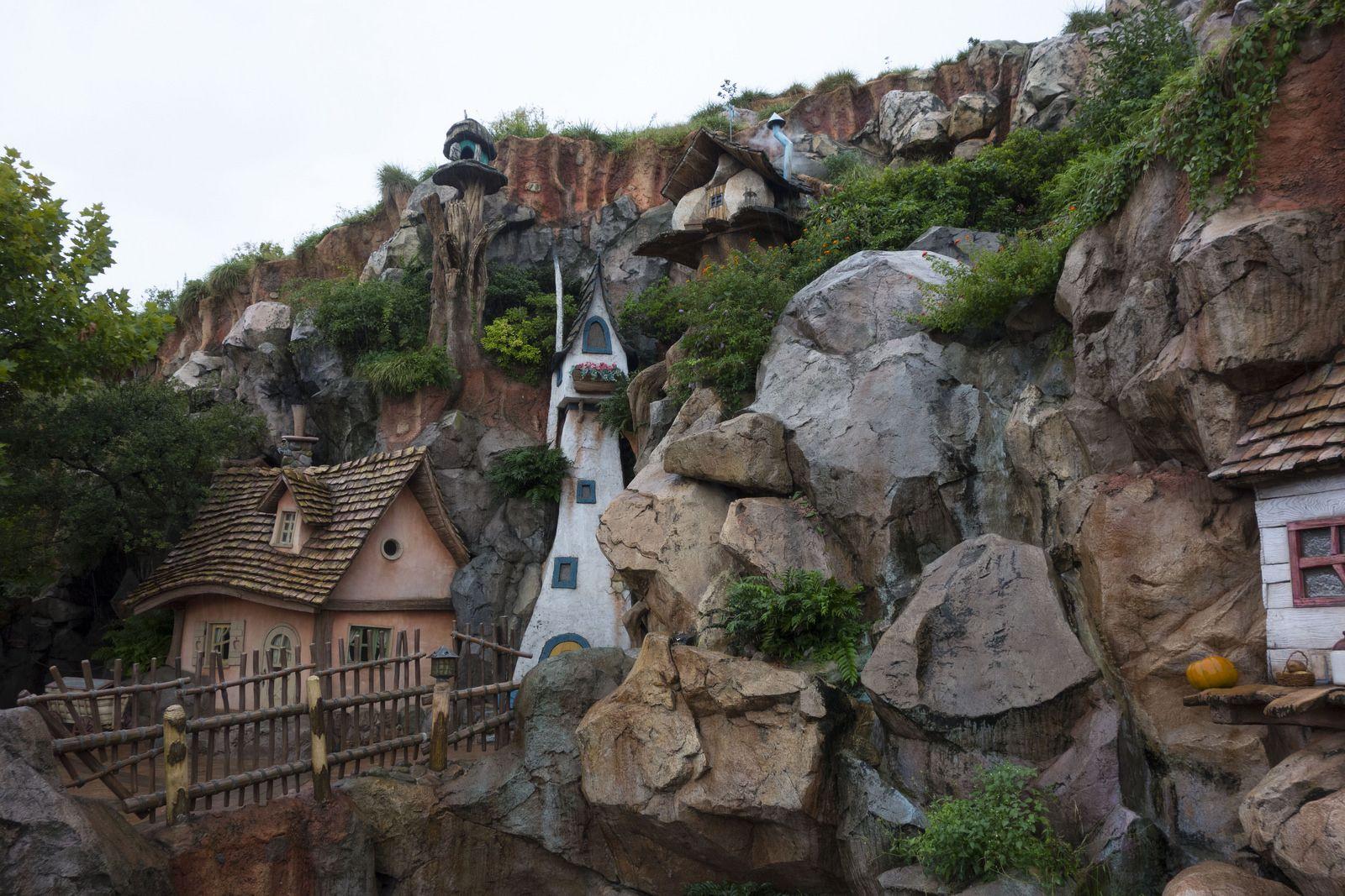 Tokyo Disneyland - Splash Mountain