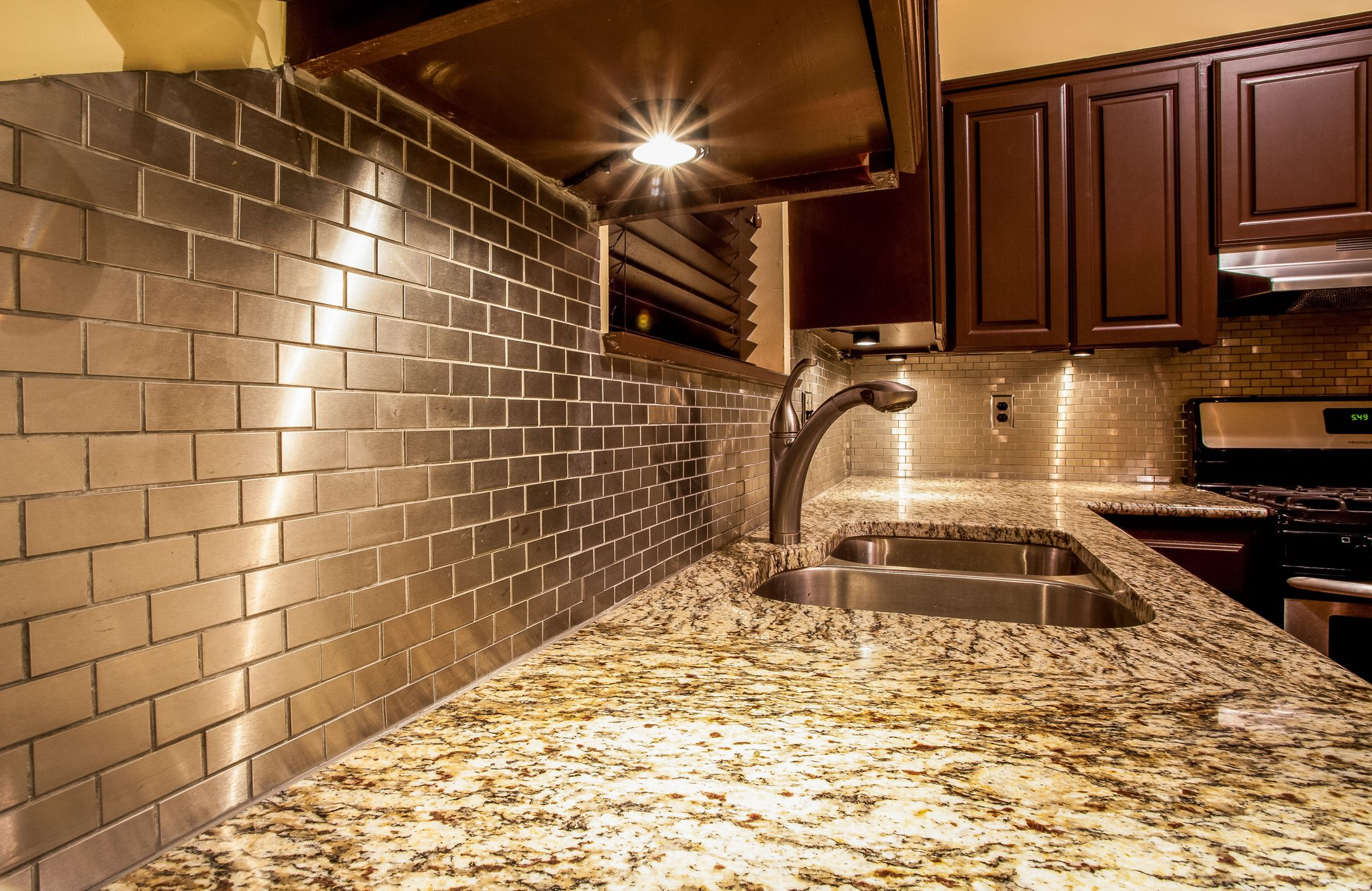 Countertops Okc Oklahoma City And Edmond Showers And Backsplash This Is One