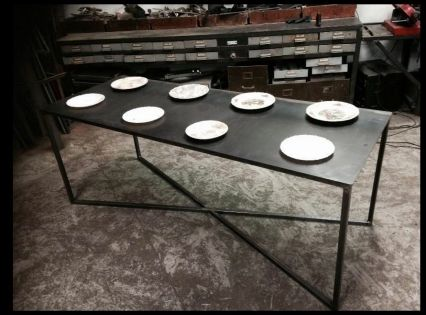 Phototheque Ivan Radkine Decoration Retro Metal Table