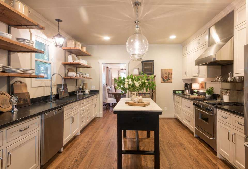 20 kitchens that will make you want to start remodeling on kitchens that ll make you want to redo yours id=55458