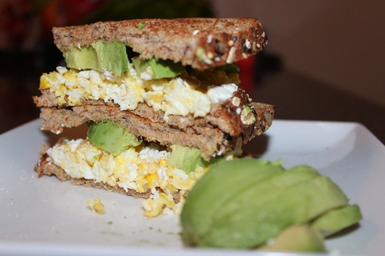 Egg and avocado breakfast sandwich