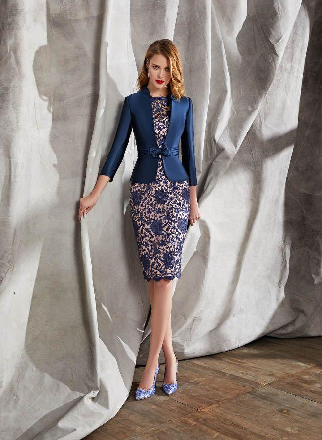 Modelo 18260A de Ana Torres. Espectacular vestido de