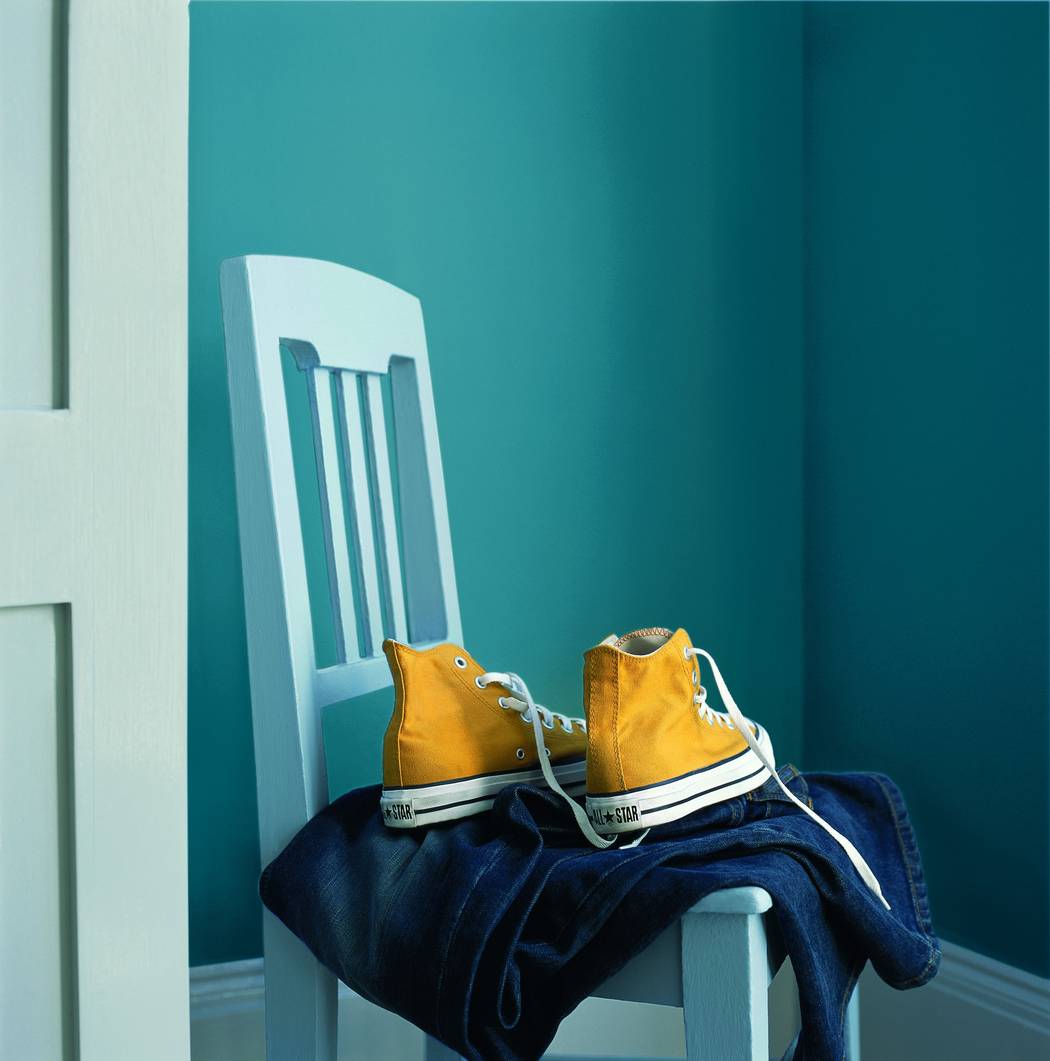Contrast Dulux Sea Urchin 1 With Bright Colour Pops