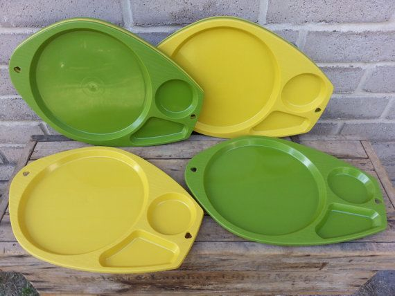Mid Century Divided Plastic Plate Holders or Food Tray for C&ing Picnics Parties & Mid Century Divided Plastic Plate Holders or Food Tray for Camping ...