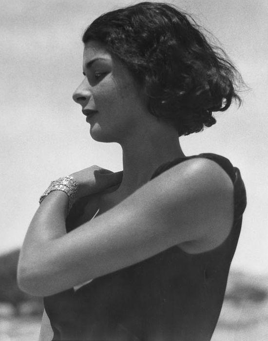Marianne Breslauer - Djemila, Jerusalem, 1931  http://www.artslant.com/ber/events/show/117714-moments-unnoticed-photographs-1927-1936