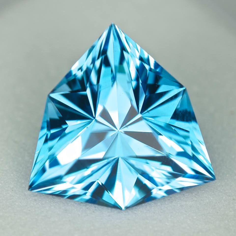 MJ922 - 3.72ct AAA electric blue Topaz - Brazil 10.50 x 6.30 mm clean, custom cut, irradiated, vivid color!! $175 shipped