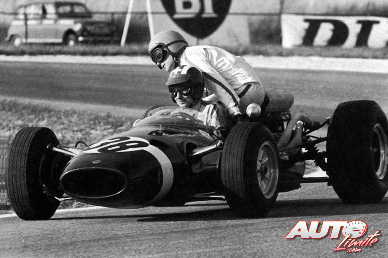 Jo siffert gives guy ligier a lift on the back of his cooper maserati v12