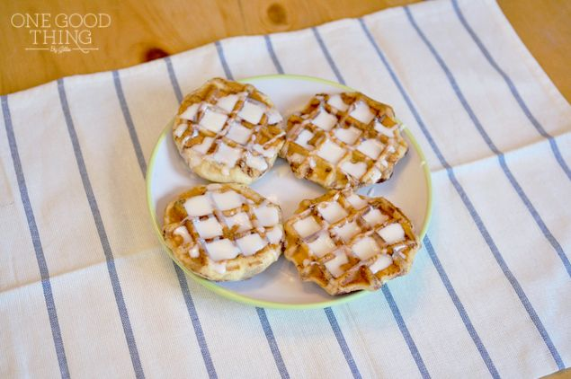 WAFFLE IRON CINNAMON ROLLS...... simply placed canned cinnamon roll, 1 in each preheated waffle area. Closed lid and it took 2-4 minutes for the cinnamon rolls to become nice and brown on the outside, yet still tender on the inside. Once done  drizzle warmed glaze over tops.