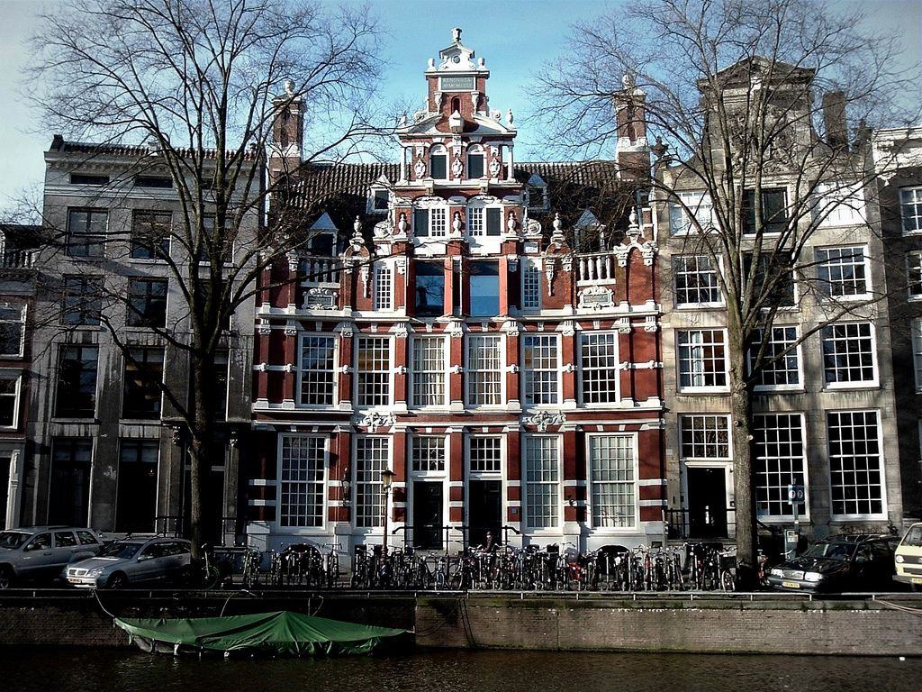 The bartolotti house is located at the herengracht 170 172 for Herengracht amsterdam