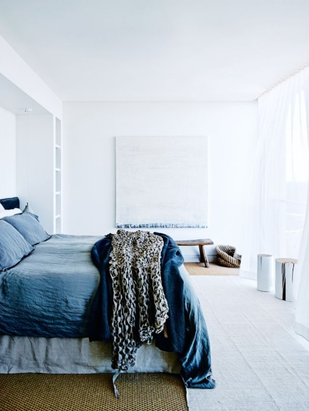 Gravity Home: Bedroom with blue bedding in a calm and authentic seaside home in Sydney