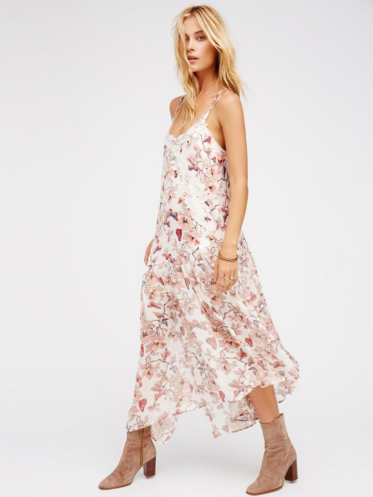 Guest Attire 15 Floral Dresses Perfect For Summer Weddings Guest Attire Dresses Midi Dress [ 1024 x 768 Pixel ]