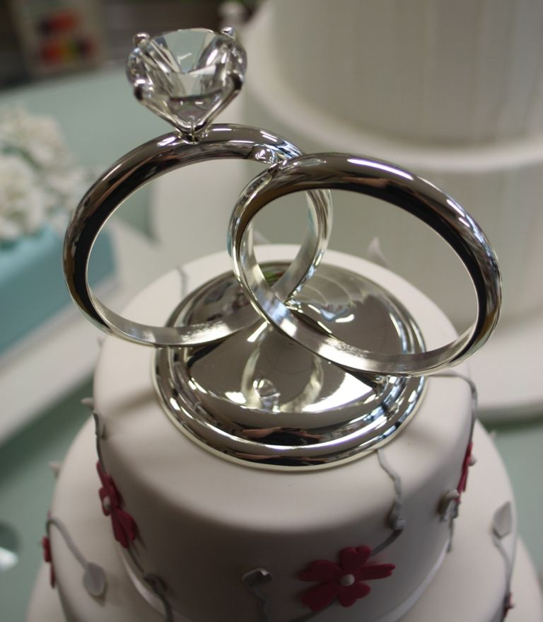 wedding or engagement ring cake topper from easy