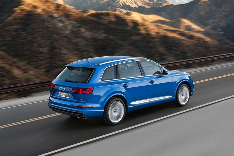 The Audi Q7 Plug In Hybrid Suv Is Over 700 Pounds Lighter Than Its Predecessor