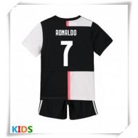 Photo of Maglie da calcio Juventus Cristiano Ronaldo # 7 Prima Maglia Bambino 2019-20 Mani …