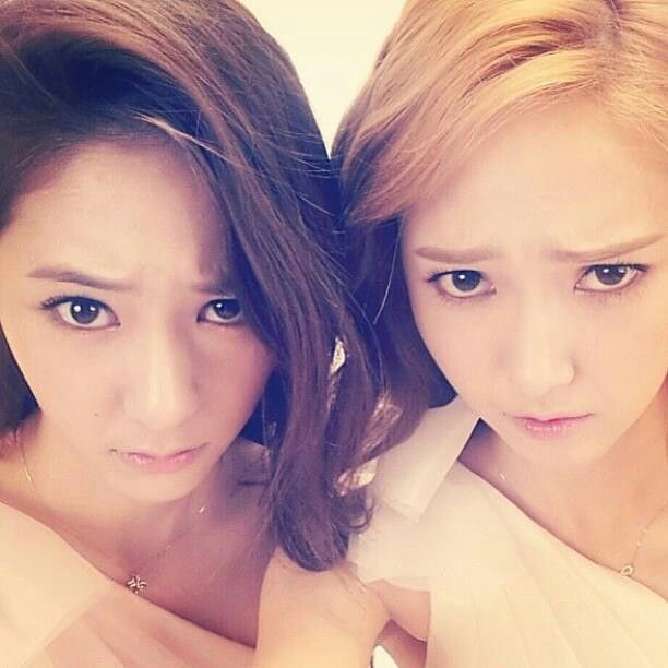KRYSTAL JUNG AND JESSICA JUNG movies , drama photos