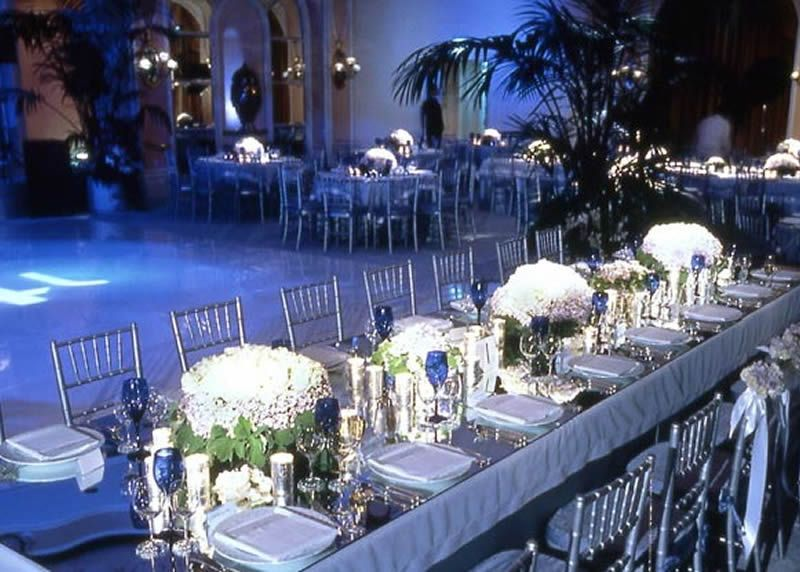 blue and white wedding table design